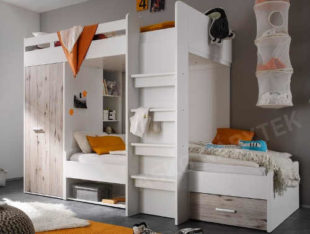 Dvoupatrová dětská postel se šatní skříní