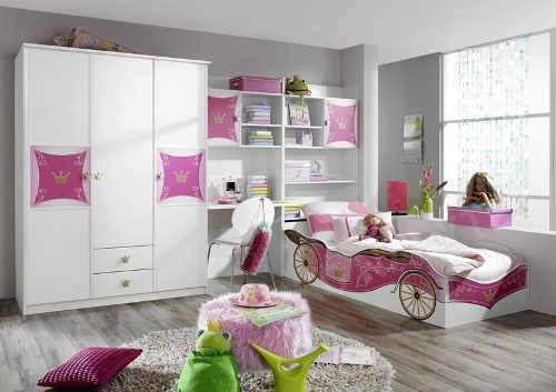Pohádkový romantický růžovo-bílý pokoj pro dceru