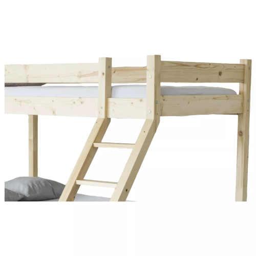 patrová postel skýtající místo pro 3 osoby