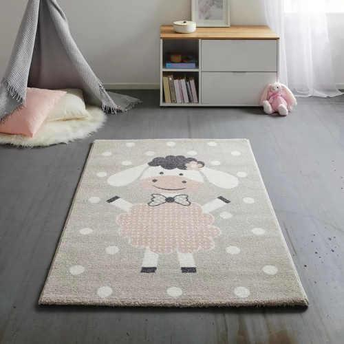 béžový koberec s obrázkem ovečky