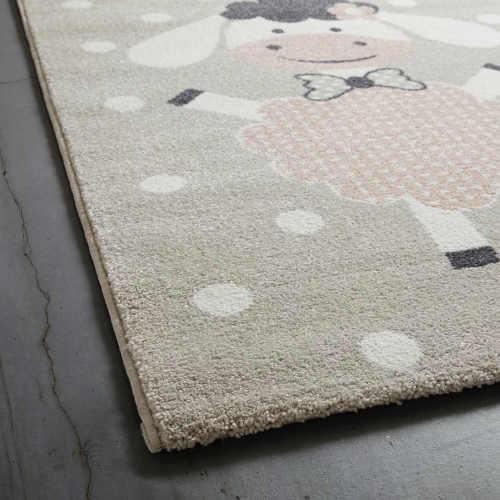 praktický kusový dětský koberec
