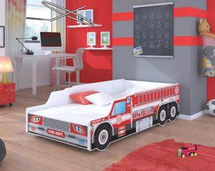 Dětská postel v provedení hasičského auta