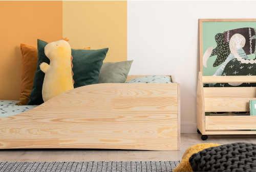 dětská postel z masivu