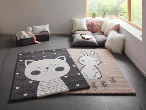 koberec s obrázkem kočky