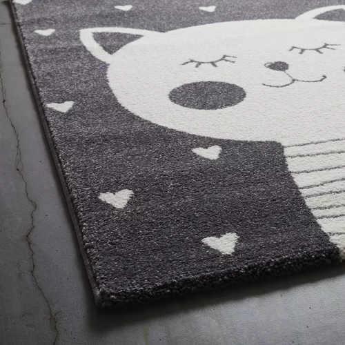 kusový kvalitní koberec do pokojíčku