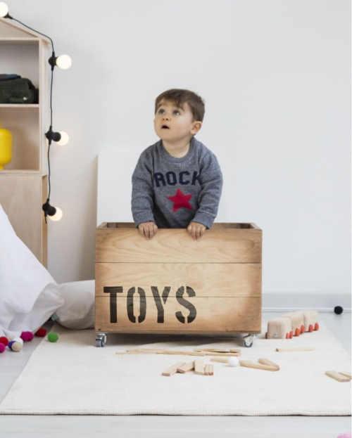 krabice na hračky toys