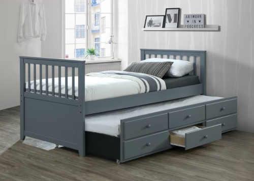 praktická rozkládací postel ze dřeva