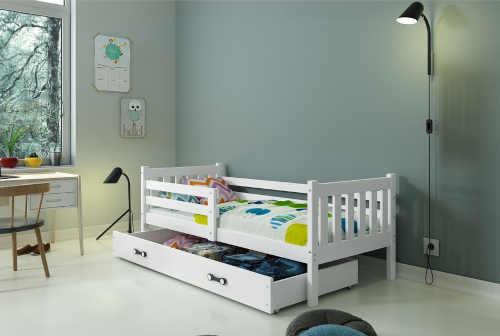 postel pro dítě se zábranou