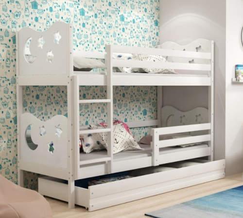 Bílá dřevěná patrová postel s úložným prostorem