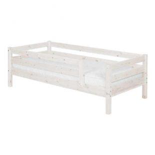 Dětská postel z masivu v přírodním dekoru